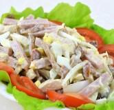 Салат с ветчиной и домашним сыром