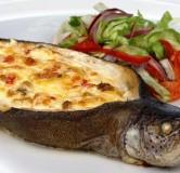 Тушки радужной форели фаршированные лососем с креветками