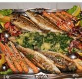 14.Рыбное плато (Ставрида, барабуля, шашлычок из белой рыбы с креветками, ледяная рыба)