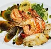 4Морепродукты выкладка с нежным яичным соусом (мидии, кальмары, криветки, рапан, осьминоги)